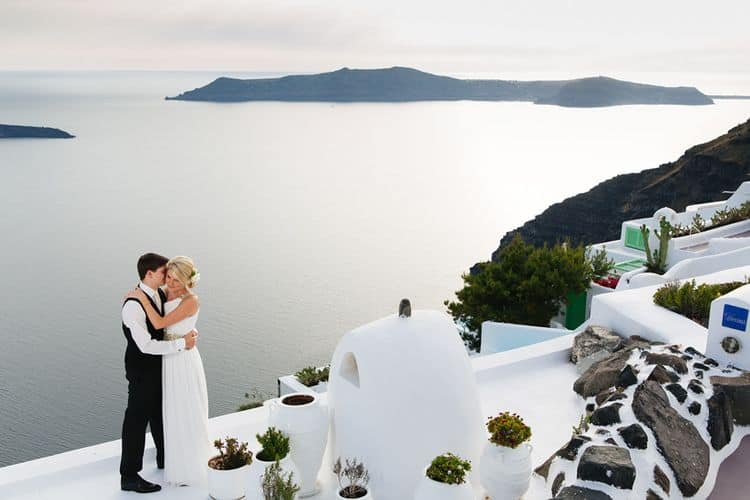 Elopment in the Dreams Luxury Suites in Santorini26