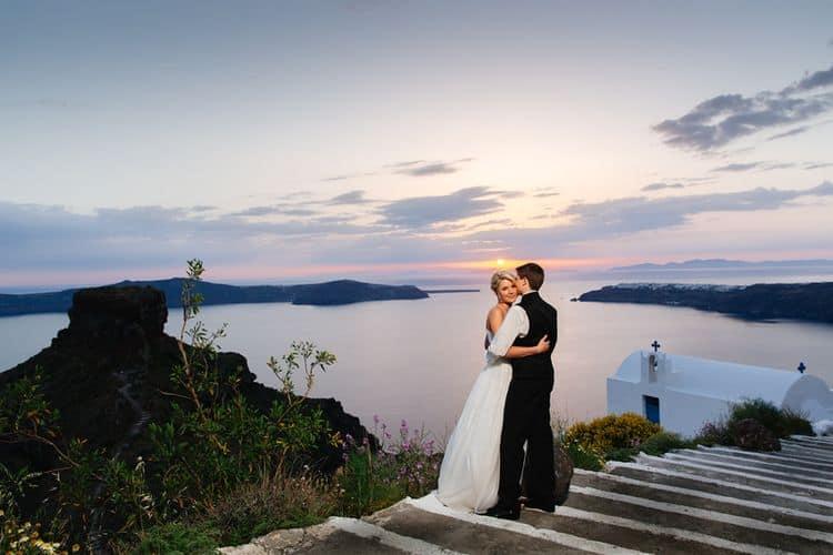 Elopment in the Dreams Luxury Suites in Santorini3