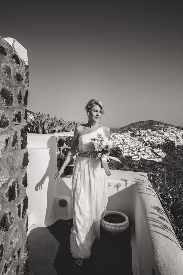 Elopment in the Dreams Luxury Suites in Santorini32