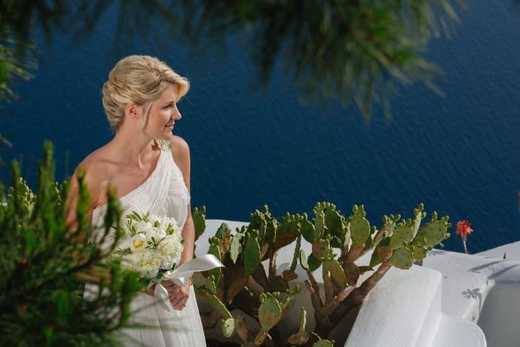 Elopment in the Dreams Luxury Suites in Santorini36