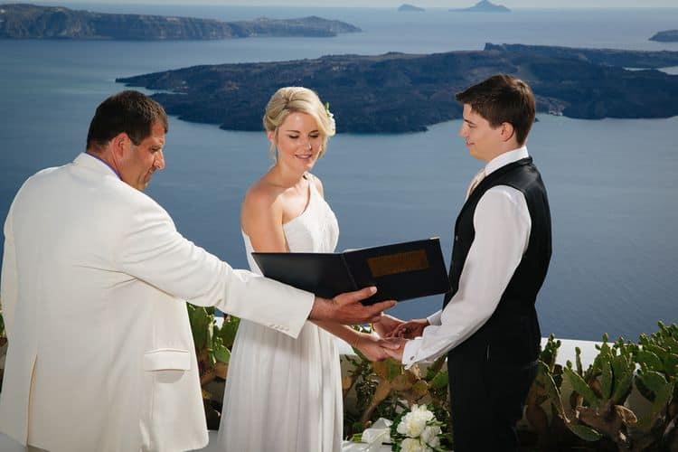 Elopment in the Dreams Luxury Suites in Santorini54