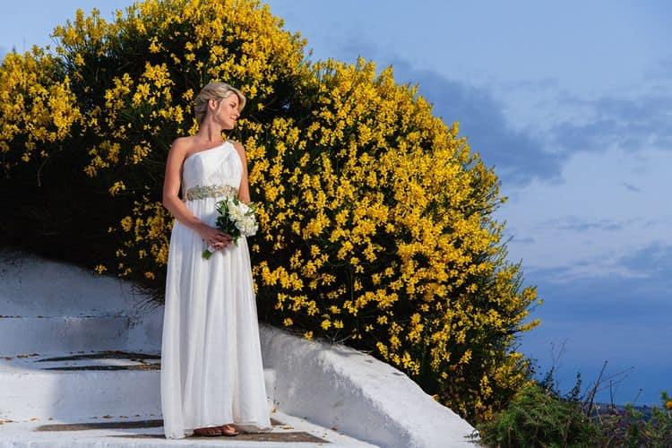 Elopment in the Dreams Luxury Suites in Santorini6