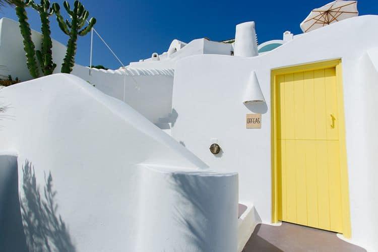 Elopment in the Dreams Luxury Suites in Santorini64