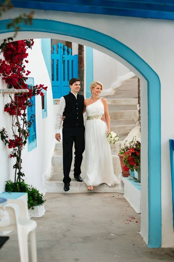 Elopement in the Dreams Luxury Suites in Santorini9