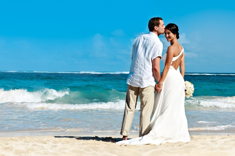 Free destination wedding giveaway Royalton Punta Cana