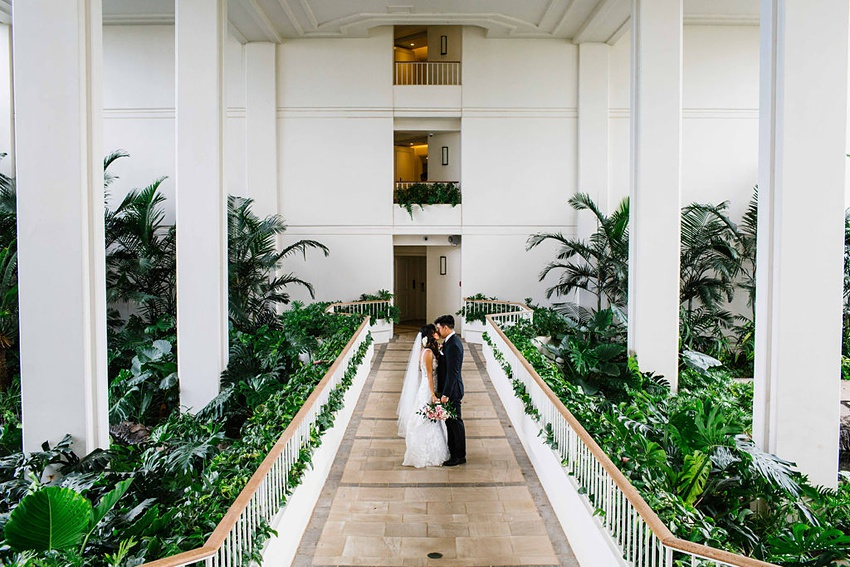 Garden destination wedding in Kapolei Hawaii 0048