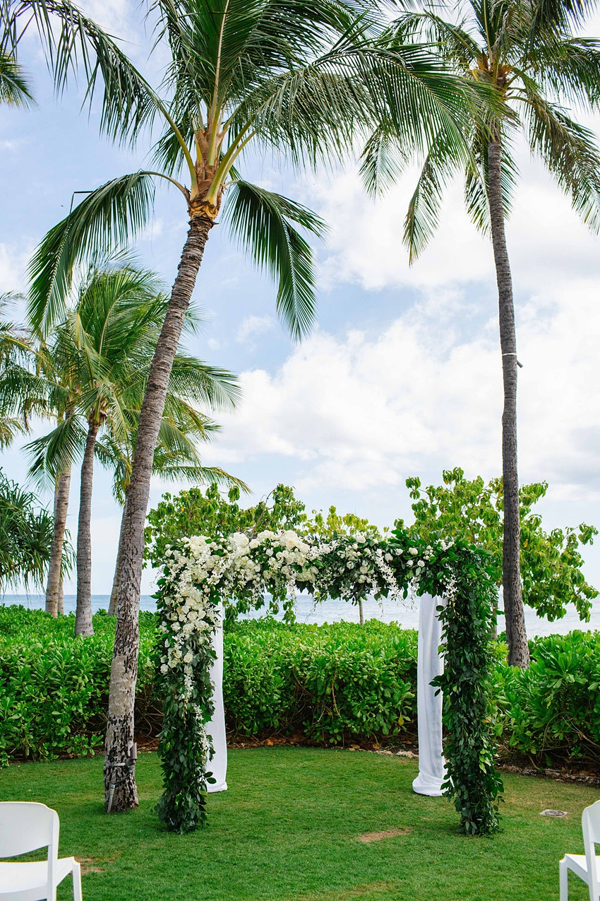Garden destination wedding in Kapolei Hawaii 0054