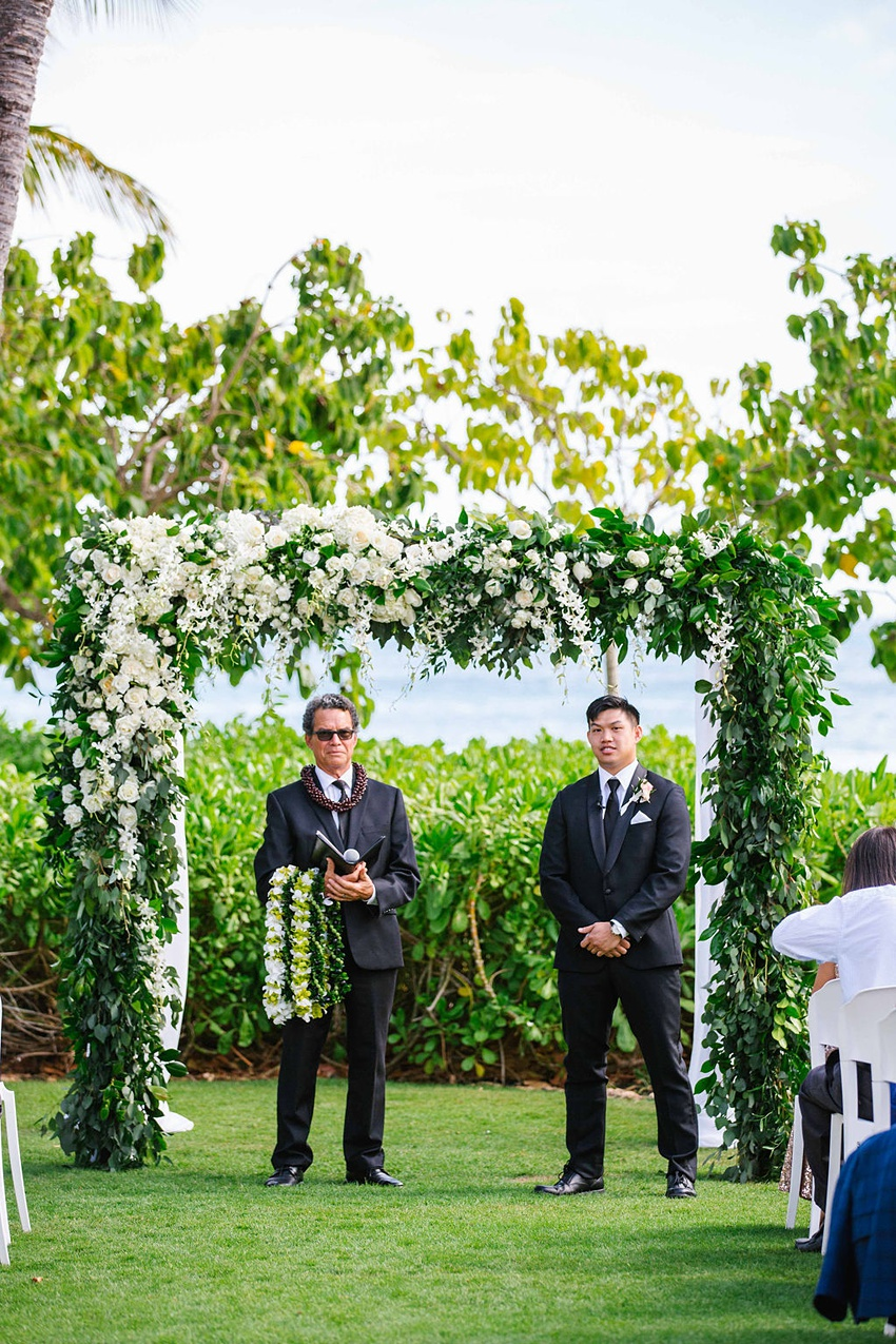 Garden destination wedding in Kapolei Hawaii 0090