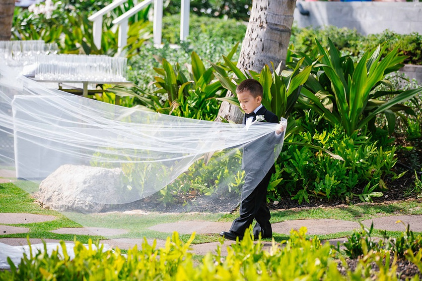 Garden destination wedding in Kapolei Hawaii 0091