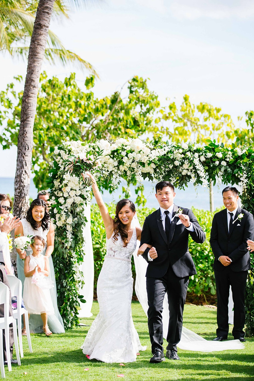 Garden destination wedding in Kapolei Hawaii 0100