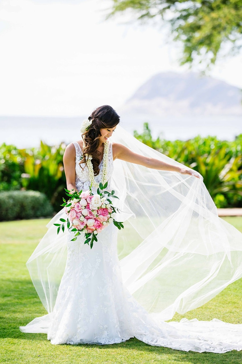 Garden destination wedding in Kapolei Hawaii 0102