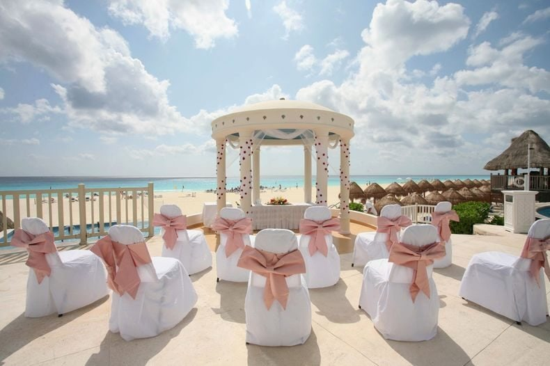 Golden Parnassus cancun wedding