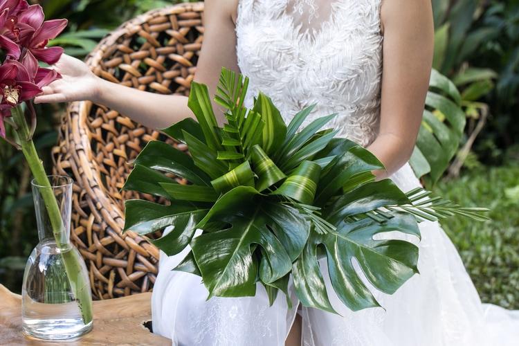 Hawaii garden wedding 102