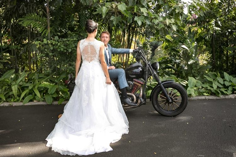 Hawaii garden wedding 27