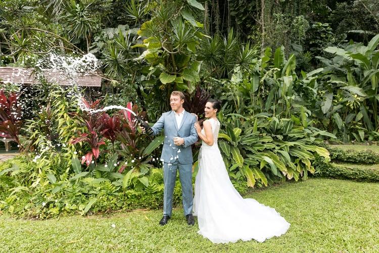 Hawaii garden wedding 39