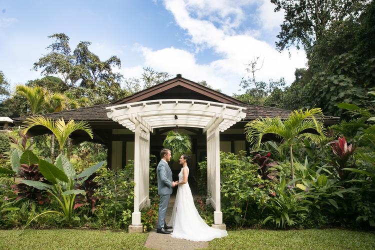 Hawaii garden wedding 46
