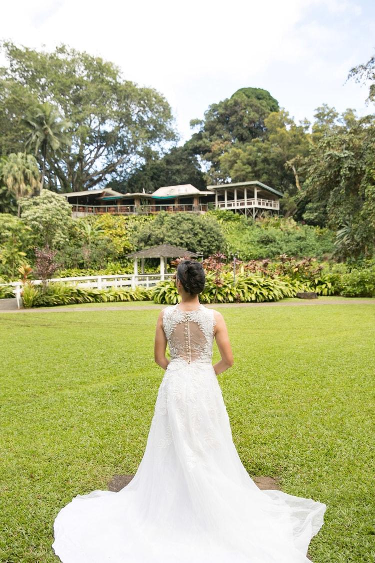 Hawaii garden wedding 50