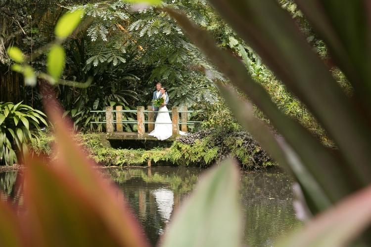 Hawaii garden wedding 74