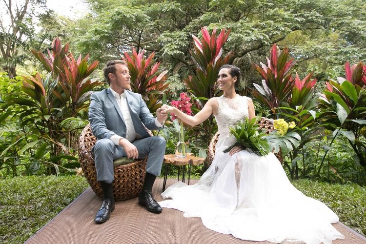 Hawaii garden wedding 96