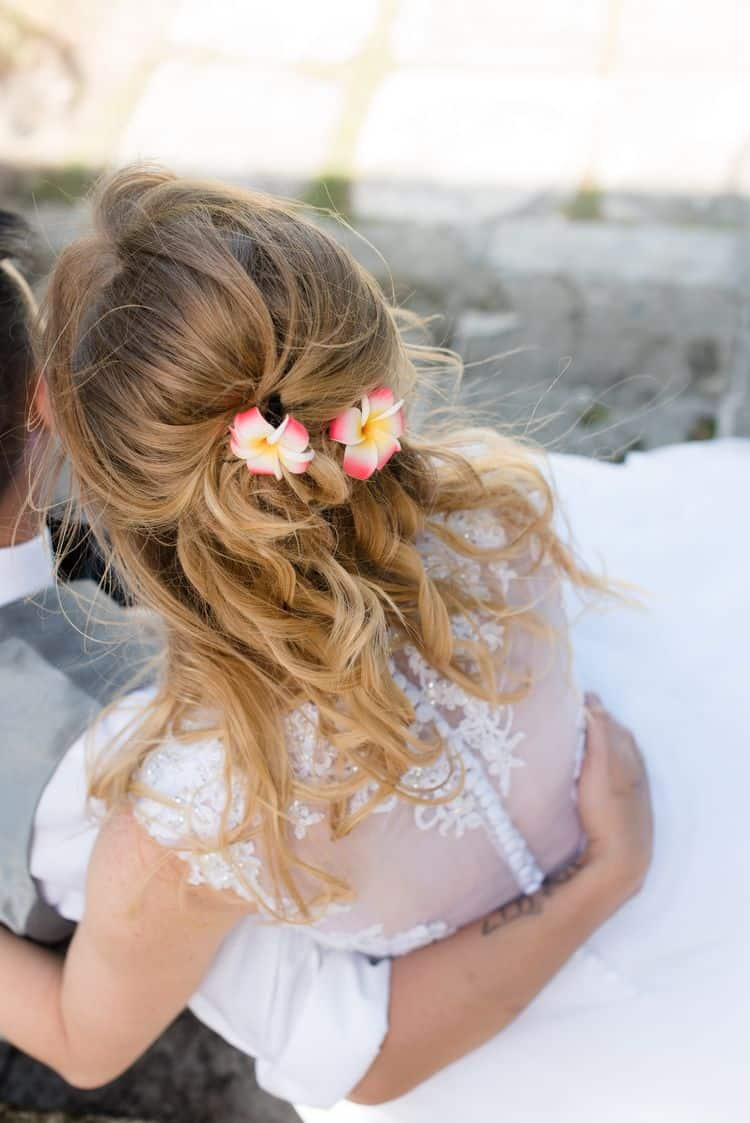 Gorgeous beach wedding hairstyle