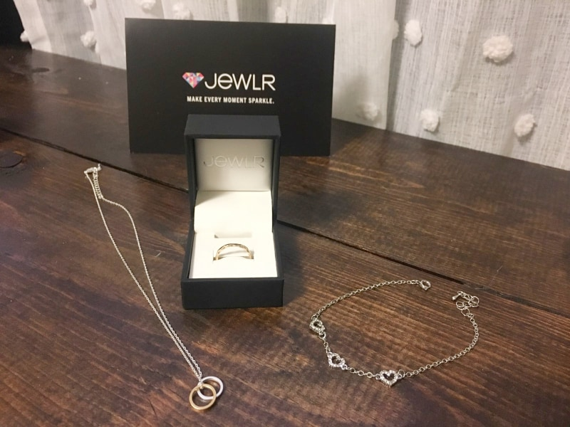 Jewlr Personalized wedding gifts