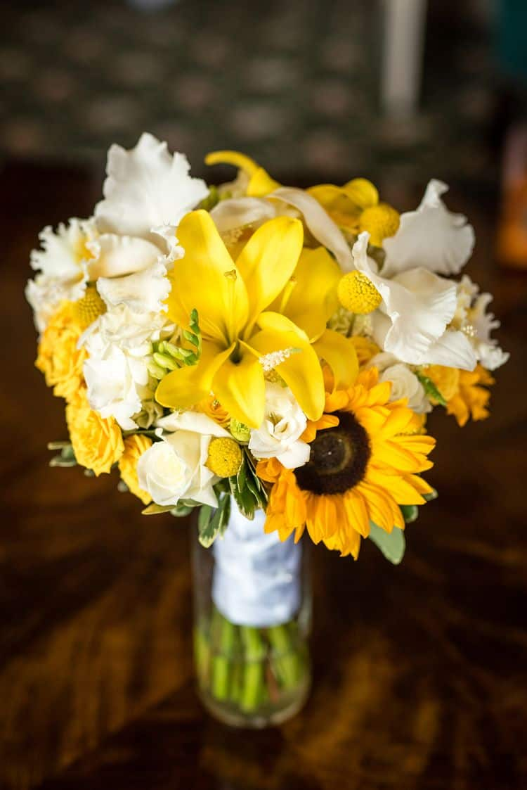 yellow and white wedding bouquet