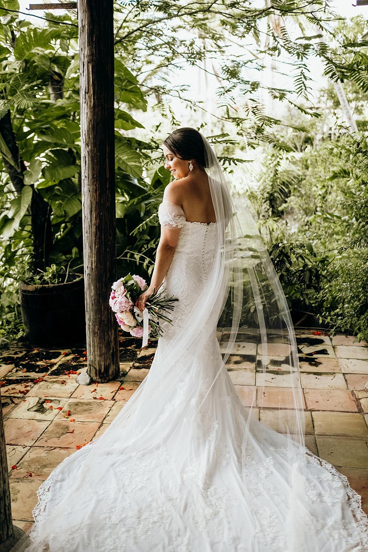 Romantic Elegant Off the Shoulder Wedding Gown
