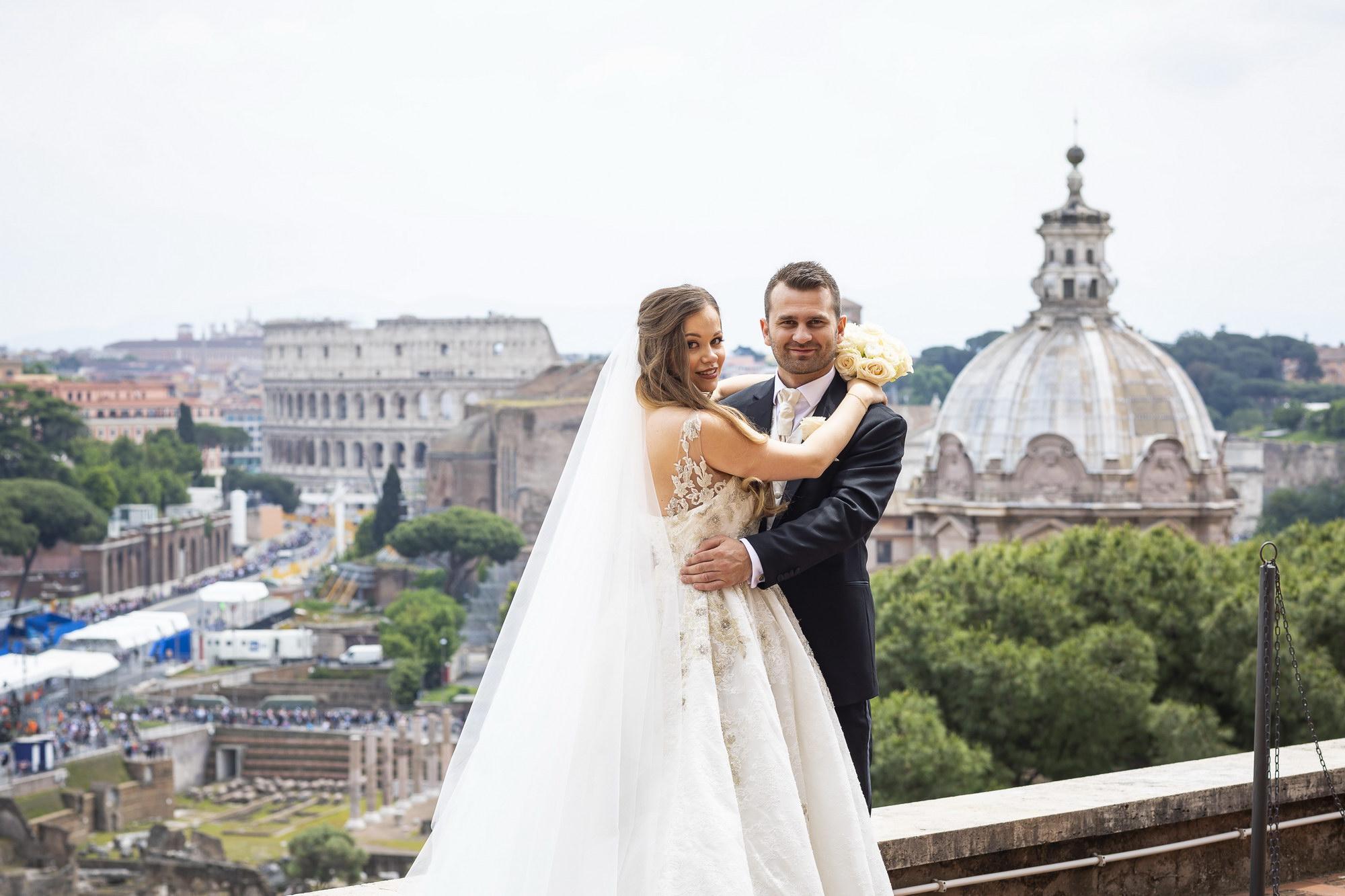 St Peters Basilica Wedding Photo