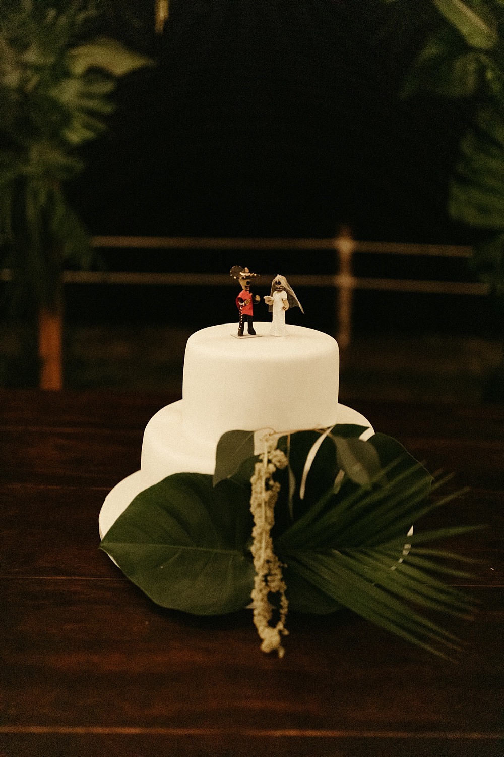 Tropical Sayulita Mexico Wedding Cake