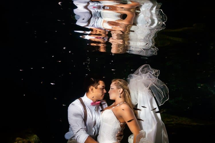 Underwater Trash the Dress Photos in the Riviera Maya 002