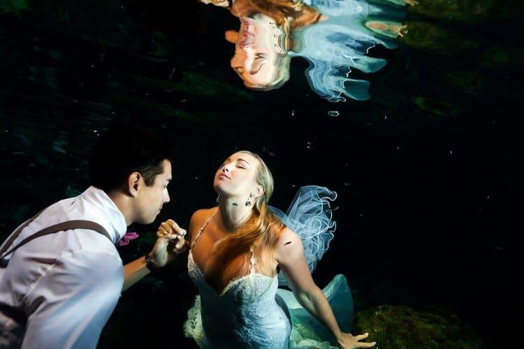 Underwater Trash the Dress Photos in the Riviera Maya 006