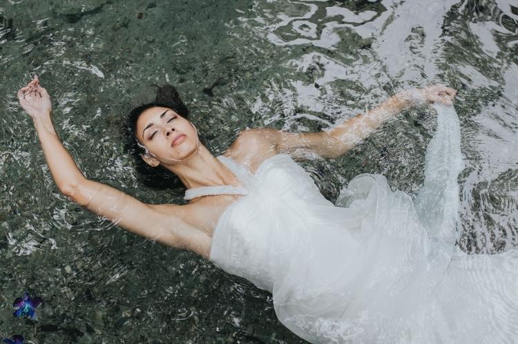 Underwater Wedding Photography 16