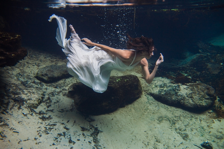 Underwater Wedding Photography 5
