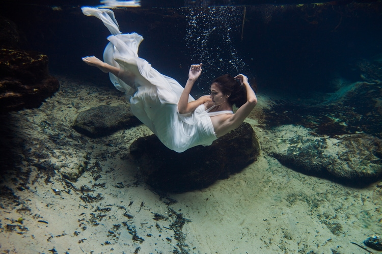 Underwater Wedding Photography 6