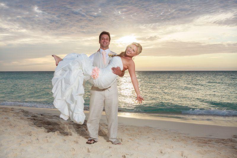 aruba destination wedding Bucuti 800x533