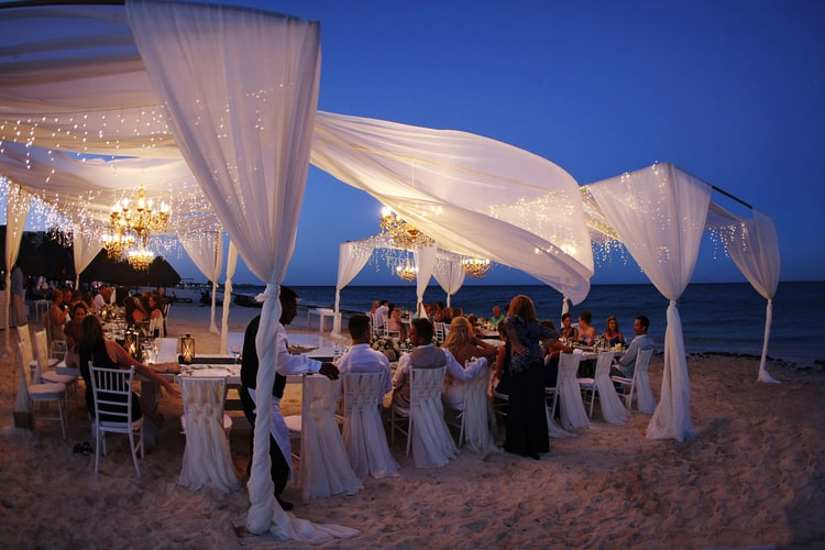 Barefoot Beach Wedding In Cancun 22