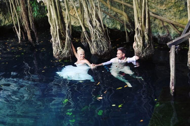 barefoot beach wedding in cancun 4