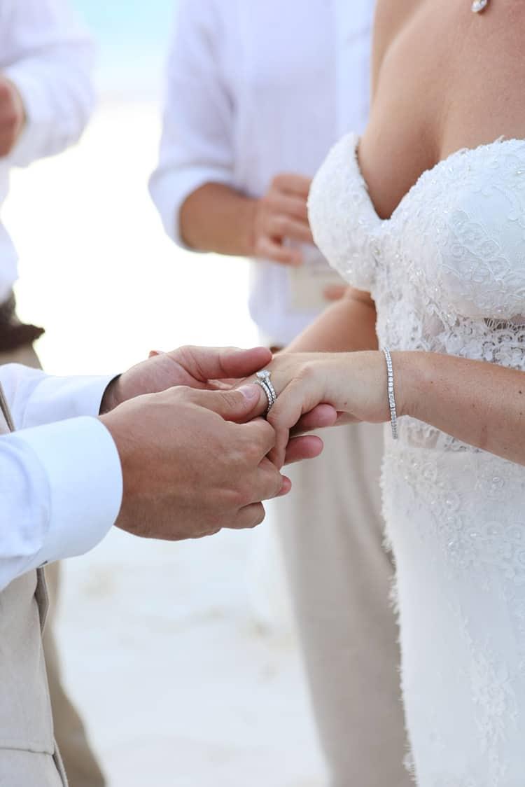 barefoot beach wedding in cancun 78