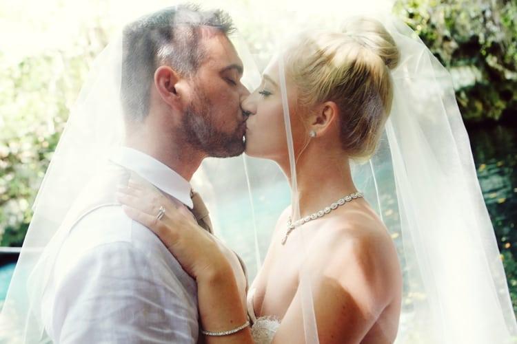 barefoot beach wedding in cancun 9
