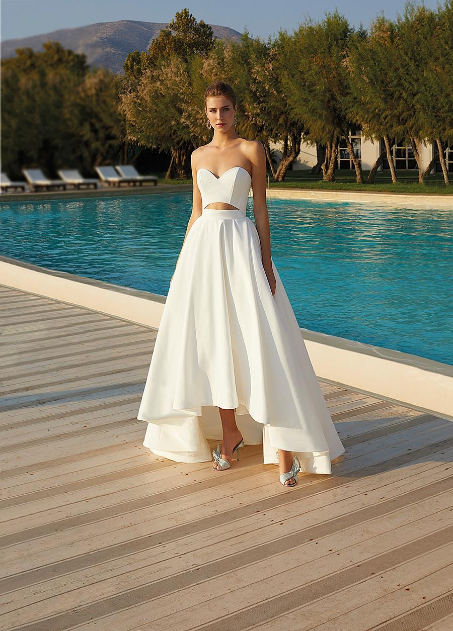 beach weddin g dress with staggered hemline