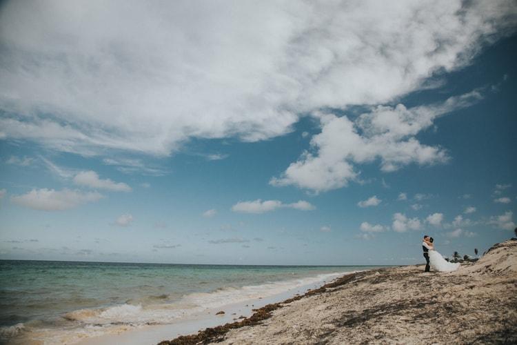 beach wedding at Royalton Riviera Cancun 142