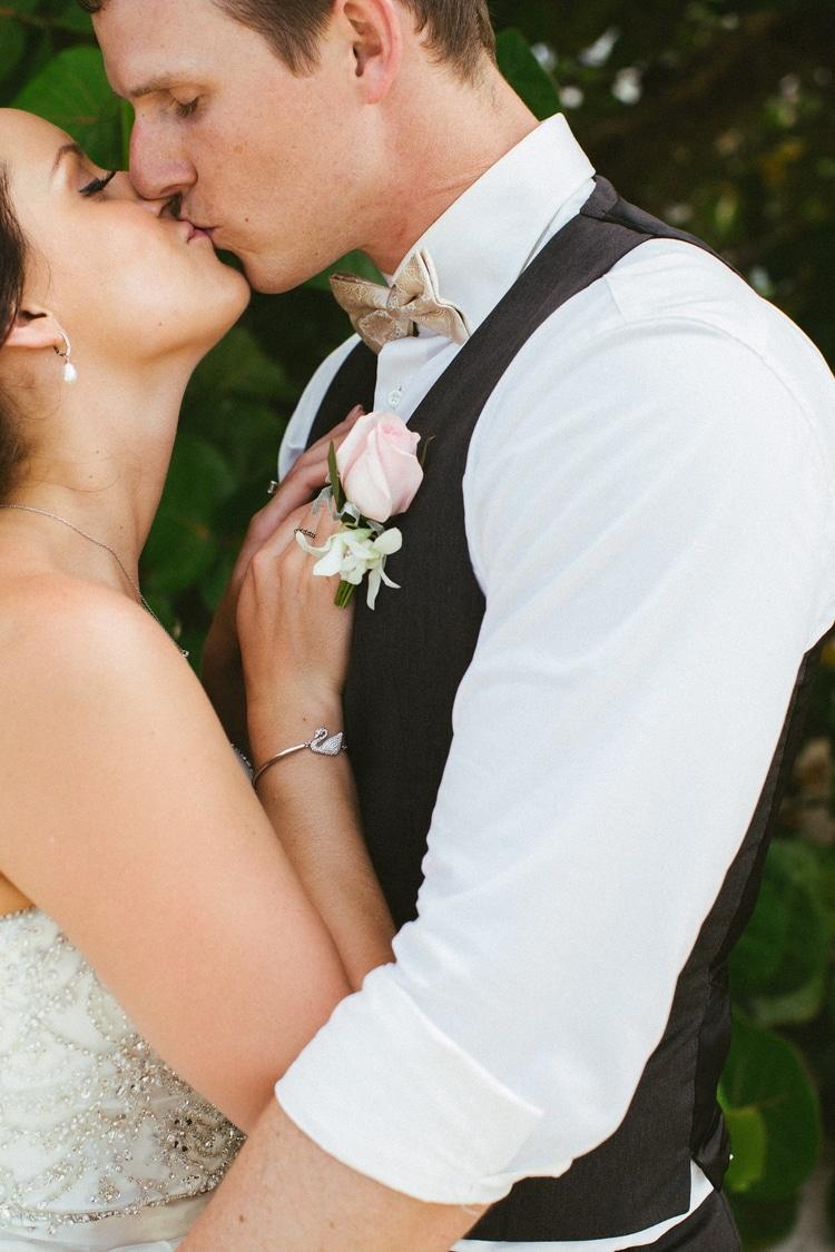 beach wedding at Royalton Riviera Cancun 152