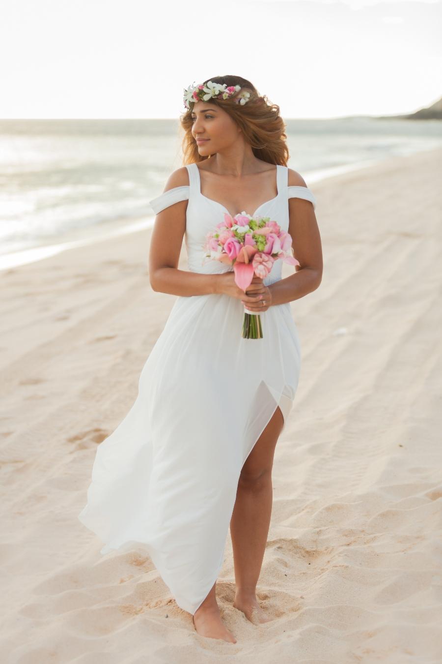 beach wedding attire tips for brides
