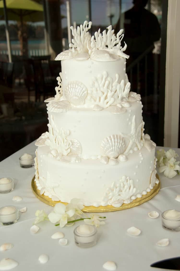 beach wedding cake7