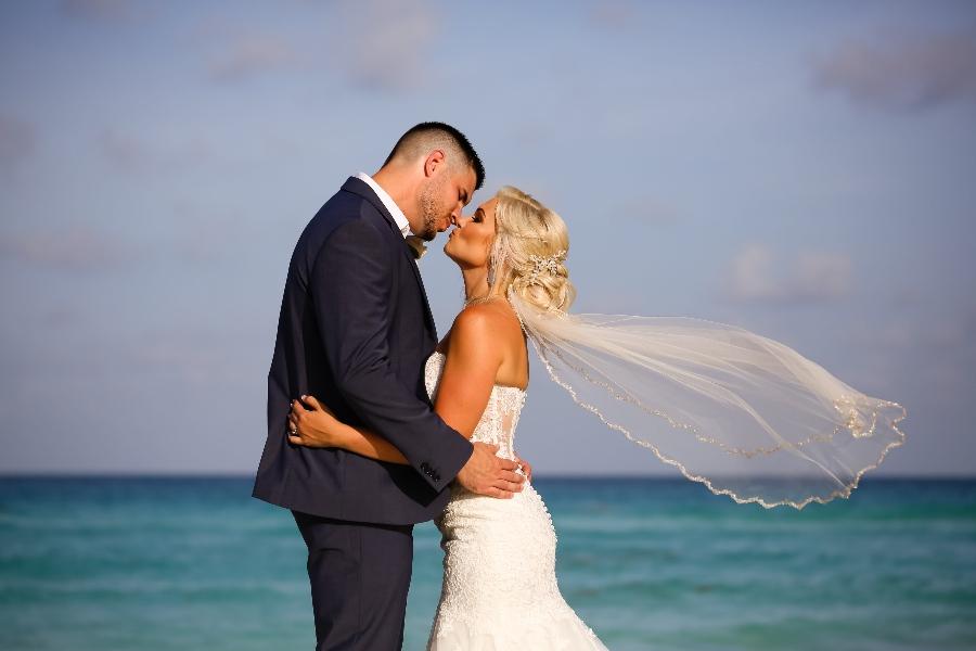 beach wedding fingertip veil