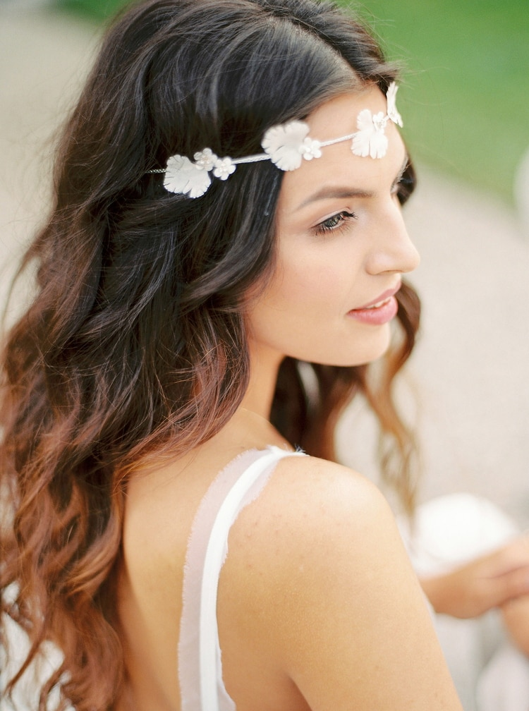 23 gorgeous beach wedding hairstyles from real destination weddings beach wedding hairstyles 7 junglespirit Images