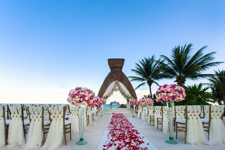 wedding decorations for beach wedding 16 breathtaking destination wedding ceremony decorations 9103