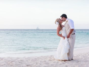 10 Destination Wedding Ideas & Tips to Make Planning Easier