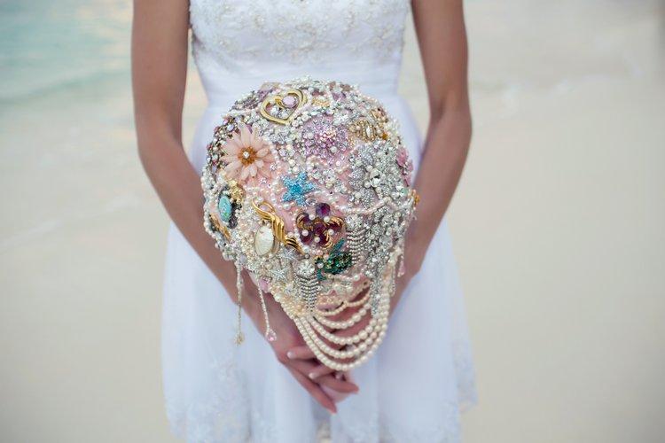 brooch beach wedding bouquet