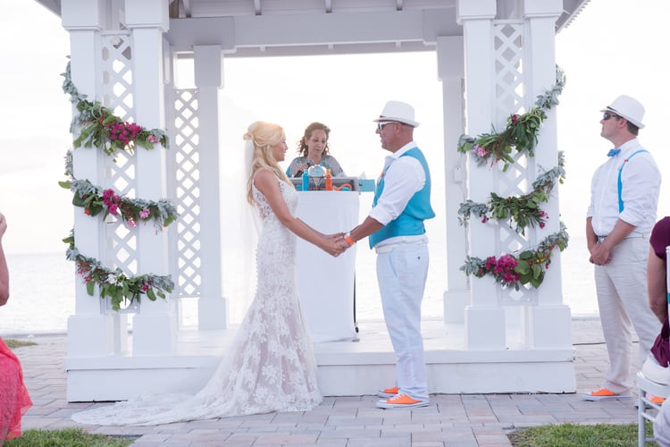 colorful beach wedding in the bahamas 22